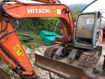 Hitachi EX100-5 2000