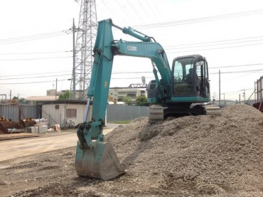 Kobelco SK135SR-1ES  YY04-08651   STD SHOE WITH RUBBER PAD 4,817HRS  YEAR 2006/12 ARM CRANE