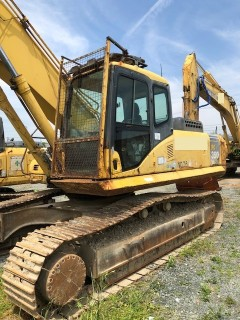 Komatsu PC350LC-7 , Serial No : 20123 , Year : 2002 , Hours : 12565 , Osaka ,Kobe Port